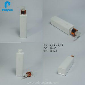 Square plastic bottle with 200ml drip spray cap