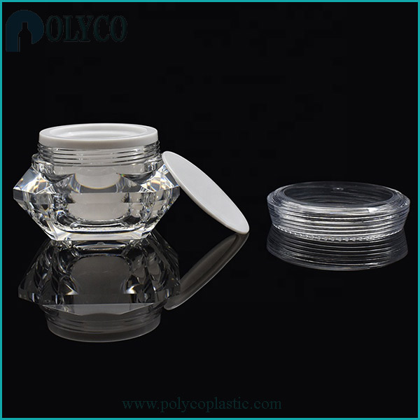 Plastic cosmetic jar with transparent lid