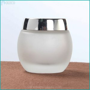 100ml glass jar with silver-white plastic lid